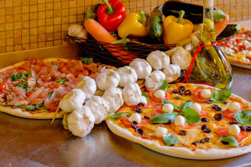Flying Pizza Karte.Xii Apostel Koln Hotel Und Restaurant Am Heumarkt In Koln